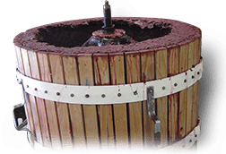 wineudesign-grape-crusher-2